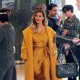 Kim Kardashian va faire du shopping pour Noël avec son fiancé Kanye West et sa mère Kris Jenner à New York, le 11 décembre 2013.