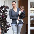 Kourtney Kardashian va faire du shopping avec sa soeur Kim et sa fille Penelope à Beverly Hills, le 16 décembre 2013.