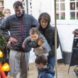 Le prince Joachim et la princesse Marie de Danemark visitaient le 15 décembre 2013 avec leurs enfants le prince Henrik (4 ans) et la princesse Athena (bientôt 2 ans) le village de Noël de Tonder, non loin de leur domicile de Schackenborg.