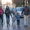 """"""" Le prince Joachim et la princesse Marie de Danemark visitaient le 15 décembre 2013 avec leurs enfants le prince Henrik (4 ans) et la princesse Athena (bientôt 2 ans) le village de Noël de Tonder, non loin de leur domicile de Schackenborg.  """""""