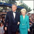 Roger Hanin et son épouse, la productrice Christine Gouze-Rénal, au Festival de Cannes, mai 1994.