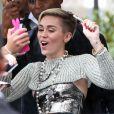 Miley Cyrus s'est rendue dans les studios de la radio NRJ à Paris. Le 9 septembre 2013.