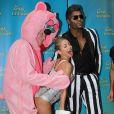 L'animatrice Kelly Ripa s'est déguisée en Miley Cyrus pour Halloween. Octobre 2013