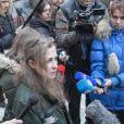 Maria Alekhina tout juste libérée du camp de Nijni-Novgorod (Volga), le 23 décembre 2013.