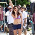 """Daniela Ruah sur le tournage de """"NCIS : Los Angeles"""" le 18 septembre 2013."""