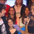 Karine Le Marchand chante une chanson à Christophe Carrière dans Touche pas à mon poste sur D8, le lundi 6 janvier 2014