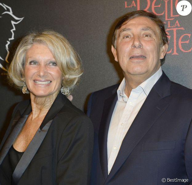 Jean-Pierre Foucault et sa femme Evelyne au Théâtre Mogador à Paris le 24 octobre 2013.