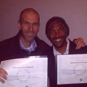 Zinédine Zidane heureux : Jeune diplômé plein d'avenir !