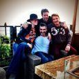 """""""Beau dimanche avec mes potes François et Emanuele et ma douce"""", écrit Johnny Hallyday sur Twitter après avoir passé le 19 janvier 2014 en leur compagnie."""