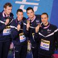 Jérémy Stravius, Amaury Leveaux, Frédérick Bousquet et Florent Manaudou lors de leur victoire sur le relais 4 x 50 m nage libre lors des Championnats d' Europe de Natation à Chartres le 25 novembre 2012