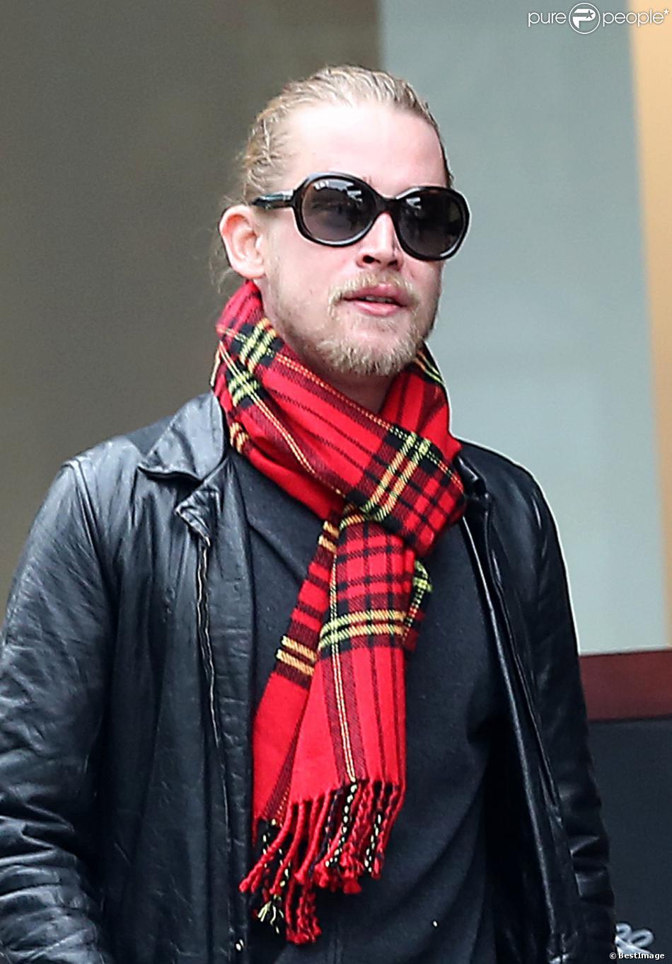 Exclusif - Macaulay Culkin à Paris, le 28 novembre 2013.
