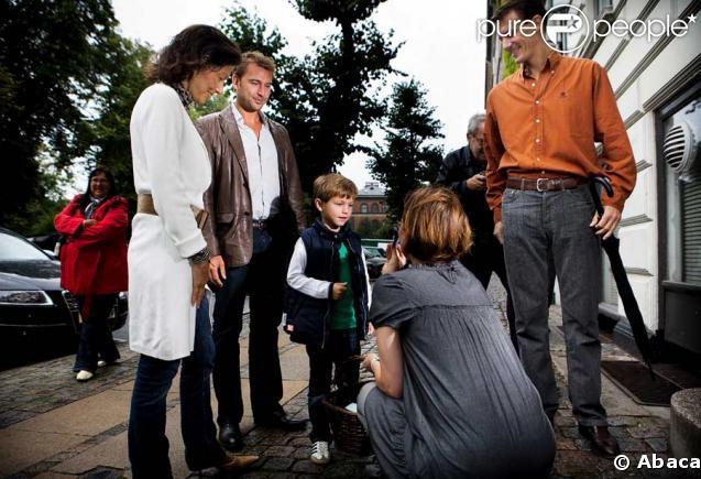 Le prince Joachim de Danemark retrouve son ex-femme Alexandra pour la rentrée de leur fils Felix