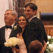 Ashton Kutcher avec Mila Kunis au mariage de son jumeau : À quand le leur ?