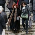 Régine Deforges et sa fille Camille Deforges-Pauvert à la sortie des obsèques de François Cavanna au Père Lachaise à Paris. Le 6 février 2014.