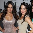 The Bella Twins (Brie Bella et Nikki Bella) à New York le 22 avril 2013.