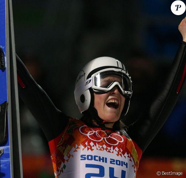 Coline Mattel, la petite merveille tricolore, a décroché la médaille de bronze lors de l'épreuve de saut à ski le 11 février 2014 lors des Jeux olympiques de Sotchi