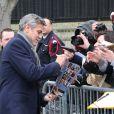 """George Clooney à l'enregistrement de l'émission """"Vivement Dimanche"""" à Paris, le 12 février 2014."""