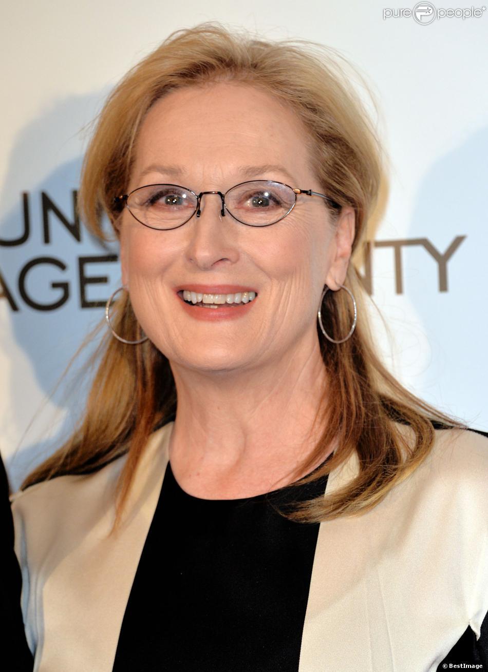 """Meryl Streep lors de la première du film """"Un été à Osage County"""" à l'UGC Normandie à Paris, le 13 février 2014."""