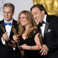 Chris Buck, Jennifer Lee et Peter Del Vecho (La Reine des neiges) lors de la cérémonie des Oscars le 2 mars 2014
