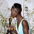 Lupita Nyong'o lors de la cérémonie des Oscars le 2 mars 2014