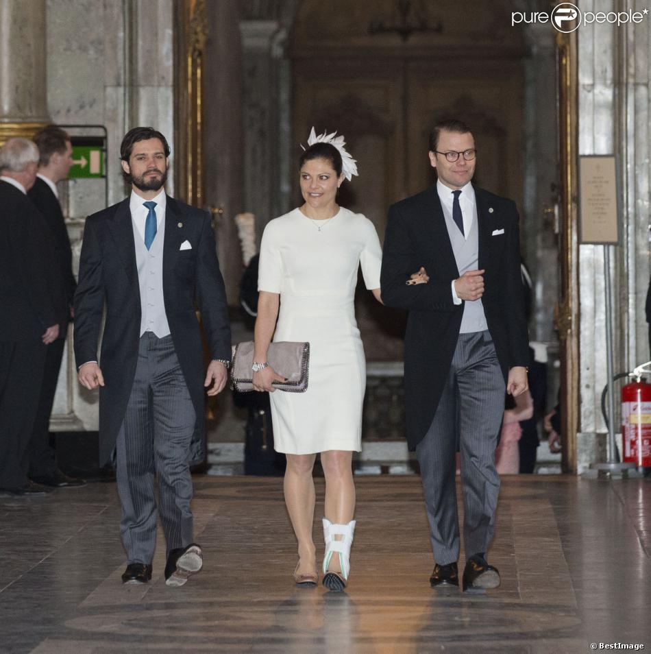 La princesse Victoria de Suède arrive avec le prince Carl Philip et le prince Daniel à la chapelle royale du palais Drottningholm, à Stockholm, le 2 mars 2014, lors d'une messe pour la naissance de la princesse Leonore, fille de la princesse Madeleine et de Chris O'Neill qui a vu le jour le 20 février à New York.