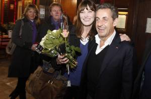 Carla Bruni : ''Mes enfants ont l'air heureux comme des papes''