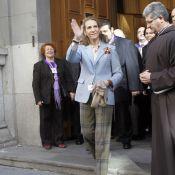 Elena d'Espagne : Vite rentrée de Grèce pour baiser les pieds du Christ