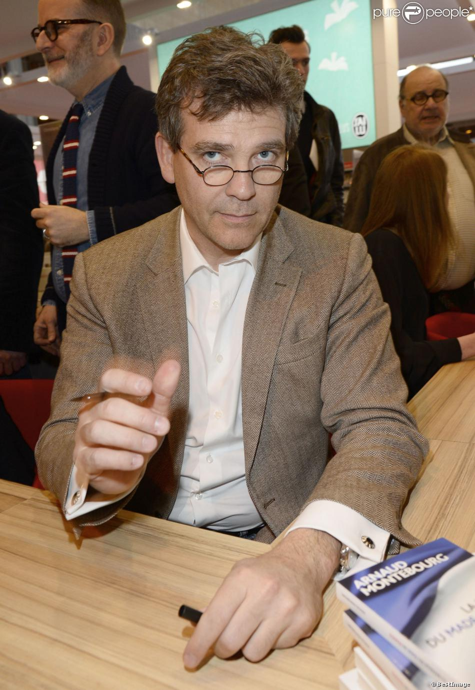 Arnaud montebourg la 34e dition du salon du livre for Porte de versailles salon du vin