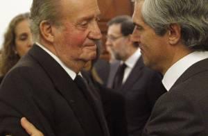 Juan Carlos Ier d'Espagne bouleversé devant la dépouille d'Adolfo Suarez