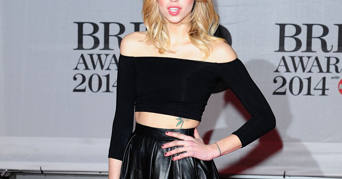 Peaches geldof aux brit awards londres le 19 f vrier for Chambre de commerce francaise a londres