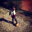 Alexandra Rosenfeld a dévoilé une photo de fille Ava en train de jouer avec un ballon. Mars 2014.