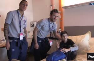 Thiago Silva, Maxwell, Matuidi... Les stars du PSG auprès des enfants malades