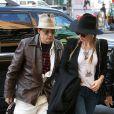 Johnny Depp et sa fiancée Amber Heard arrivent à leur hôtel à New York, le 21 avril 2014.