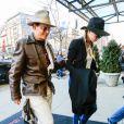 Johnny Depp et sa fiancée Amber Heard à leur hôtel à New York, le 21 avril 2014.