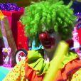 Katy Perry en clown perturbé dans le clip de Birthday.