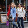 Cressida Bonas en promenade dans les rues de Londres le 17 avril 2014, quelques jours avant l'annonce de sa rupture avec le prince Harry.
