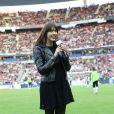 Nolwenn Leroy chante l'hymne breton lors de la finale de la Coupe de France entre le Stade Rennais et Guingamp, à Saint-Denis, près de Paris, le 3 mai 2014.