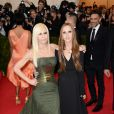 Donatella et Allegra Versace assistent au MET Gala au Metropolitan Museum of Art. New York, le 5 mai 2014.