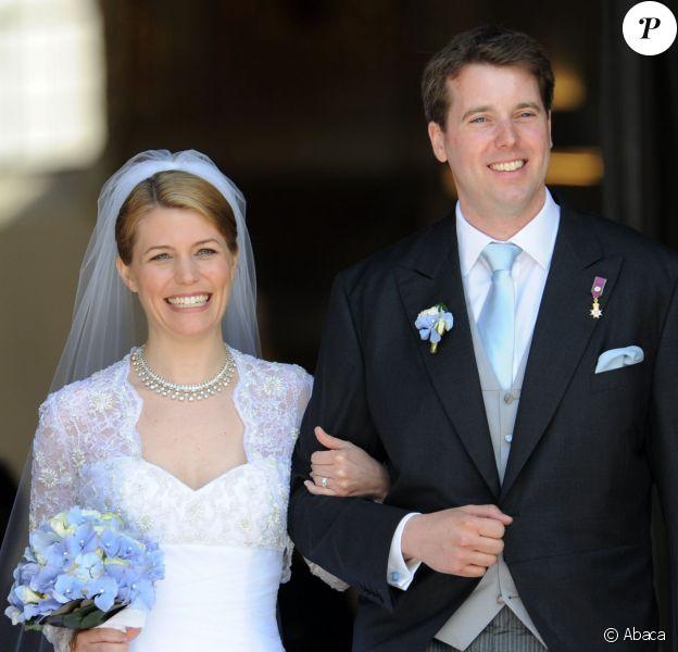 Le prince Hubertus de Saxe-Cobourg et Gotha et la princesse Kelly lors de leur mariage, célébré le 23 mai 2009 à Cobourg et suivi d'une réception au château Callenberg. Le couple a accueilli le 30 avril 2014 son premier enfant, une petite fille prénommée Katharina.