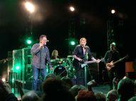Johnny Hallyday et Jean Reno sur scène: Applaudis amoureusement par leurs femmes