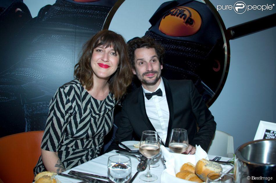 Daphné Bürki et Gunther Love à la soirée Reebok sur le bateau de la Villa Schweppes pour les 25 ans de la chaussure Pump lors du Festival de Cannes, le 17 mai 2014