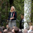 La princesse Mette-Marit sur le lieu des festivités. La famille royale de Norvège a achevé de fêter le bicentenaire de la constitution norvégienne à Eidsvoll le 17 mai 2014. Des festivités étaient organisées dans la ville où fut ratifié le texte en 1814, auxquelles le roi Harald, la reine Sonja, le prince Haakon et la princesse Mette-Marit ont pris part avec la reine Margrethe II de Danemark et le prince Henrik ainsi que le roi Carl XVI Gustaf de Suède et la reine Silvia.