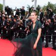"""Carole Bouquet - Montée des marches du film """"Foxcatcher"""" lors du 67 ème Festival du film de Cannes – Cannes le 19 mai 2014."""