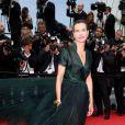 """info : D'après l'AFP, la jurée du festival de Cannes a été victime mardi soir d'un oedème de Quincke ( qui n'a pas nécéssité d'hospitalisation) lors d'une soirée à Vallauris. Carole Bouquet - Montée des marches du film """"Foxcatcher"""" lors du 67 ème Festival du film de Cannes – Cannes le 19 mai 2014."""