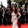 """Aishwarya Rai lors de la montée des marches du film """"The Search"""" dans le cadre du 67e Festival de Cannes, le 21 mai 2014."""