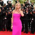 """Lara Stone sur le tapis rouge de la montée des marches du film """"The Search"""" lors du 67 ème Festival du film de Cannes, le 21 mai 2014."""