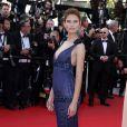 """La superbe Bianca Balti sur tapis rouge pour la montée des marches du film """"Sils Maria"""" lors du 67 ème Festival du film de Cannes, à Cannes le 23 mai 2014"""