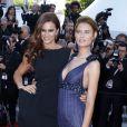 """Les sublimes Claudia Vieira et Bianca Balti pour la montée des marches du film """"Sils Maria"""" lors du 67 ème Festival du film de Cannes – Cannes le 23 mai 2014"""