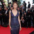 """Bianca Balti superbe pour la montée des marches du film """"Sils Maria"""" lors du 67 ème Festival du film de Cannes – Cannes le 23 mai 2014"""