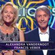 Alexandra Vandernoot et Francis Veber, dans Qui veut gagner des millions ? sur TF1, le vendredi 23 mai 2014.